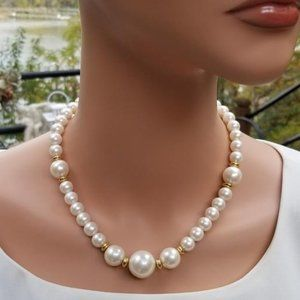 Vintage Faux Pearl and Gold Beaded Necklace
